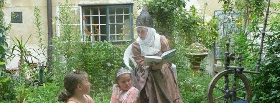 Unsere Großmutter liest wieder vor:<br/><br/>23. Jänner, 20. Februar, 20. März <br/><br/>jeweils um 16.00 Uhr in der Bibliothek<br/>